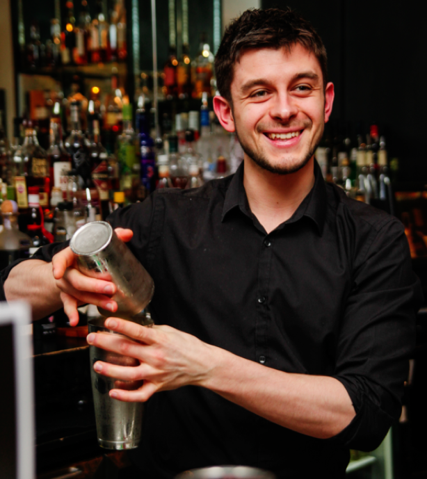 You'll particularly enjoy the fabulous cocktail bar at the White Hart!