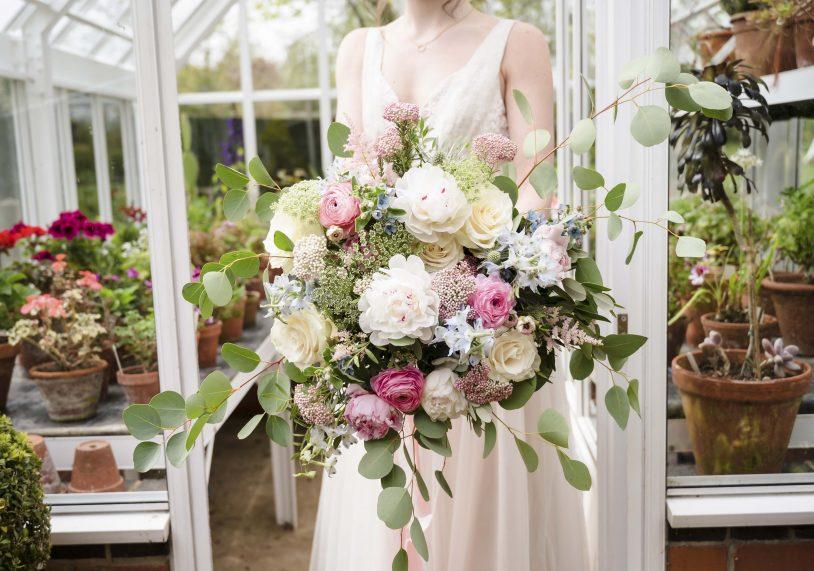 A Rutland wedding at Barnsdale Gardens, image by Amanda Forman Photography.